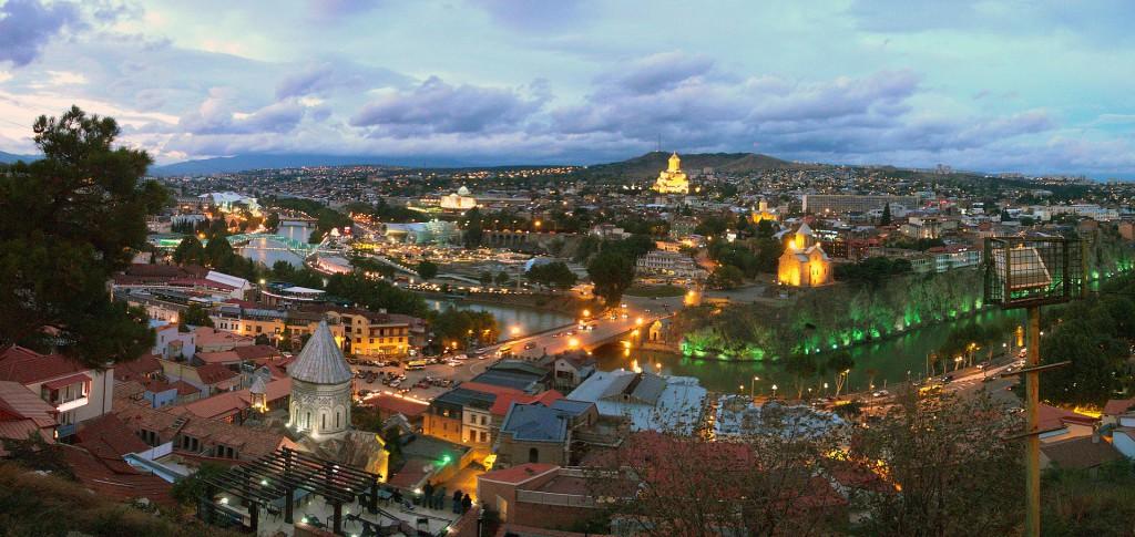 1920px-Tbilisi_sunset-6